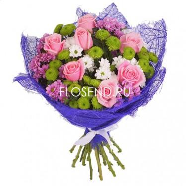 Букет из розовых роз и хризантем
